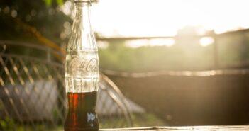 Coca Cola der har været i køleskab