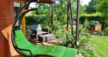 Hyndeboks i have og andre havemøbler
