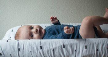 Puslekommode med barn